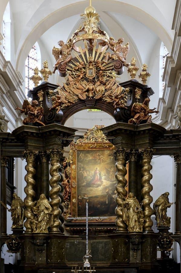 O altar principal da igreja carmelita de nossa senhora Victorious no PR imagens de stock