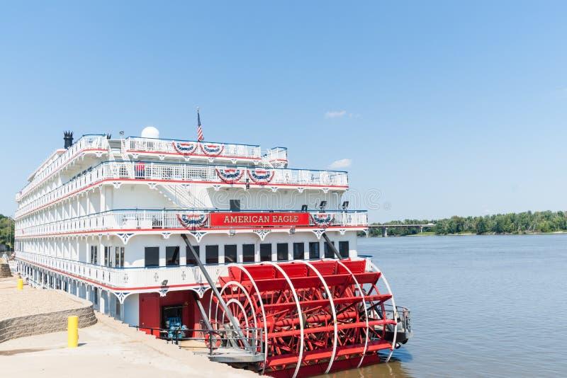 O americano Eagle do riverboat da roda de pás de Eagle do americano entrou em H imagens de stock royalty free