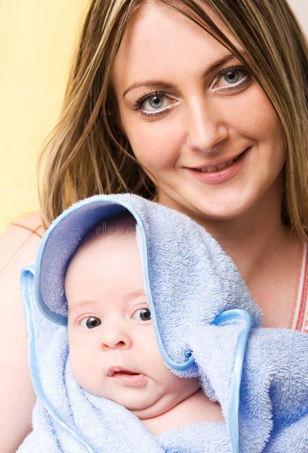 O amor de mãe fotografia de stock royalty free