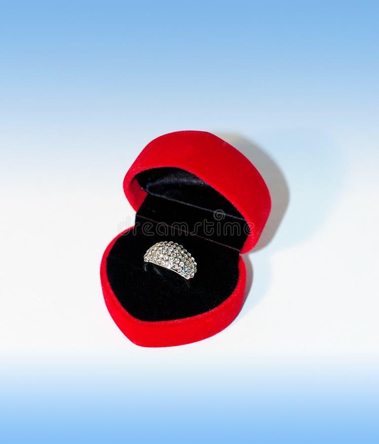Download O anel foto de stock. Imagem de valentine, fiance, amor - 102442