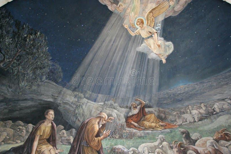 O anjo do senhor visitou os pastores e informou-os do nascimento do ` de Jesus imagem de stock royalty free