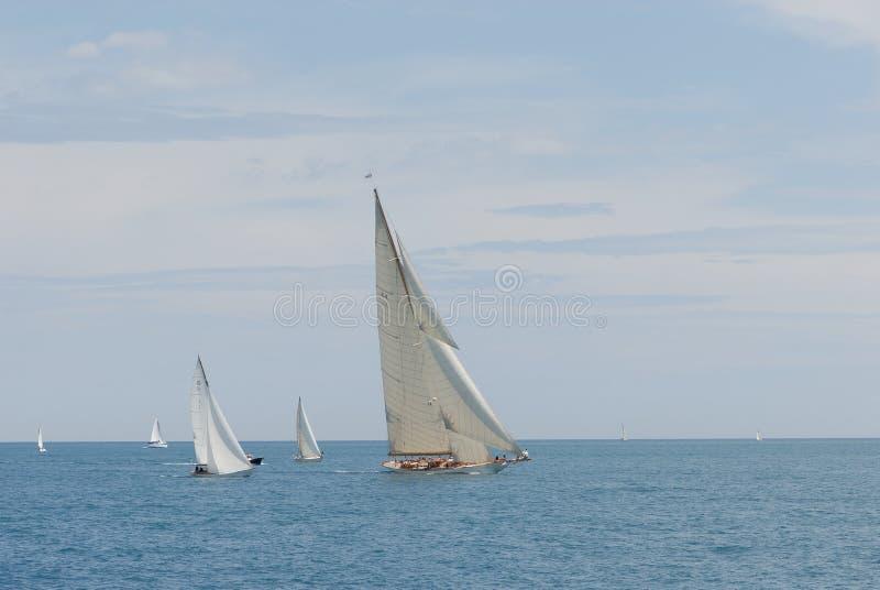 O Antibes envia raças   fotografia de stock royalty free