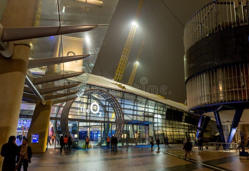 O2 arène pendant la nuit, Londres photos stock