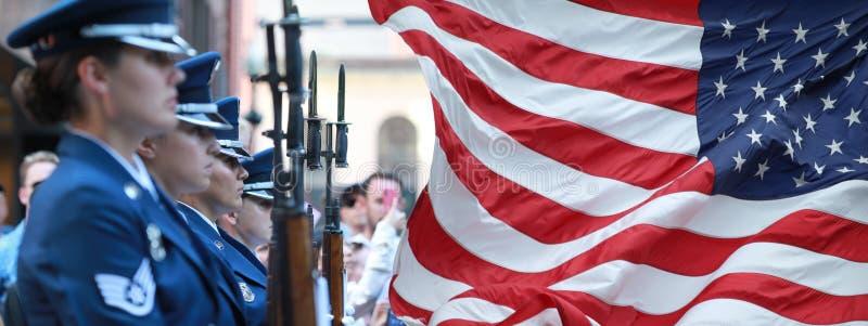 O AR FORCDE dos E.U. HONRA O PROTETOR Parade na posse da comemoração do Dia da Independência de Boston no 4o de julho de 2019 em  foto de stock royalty free