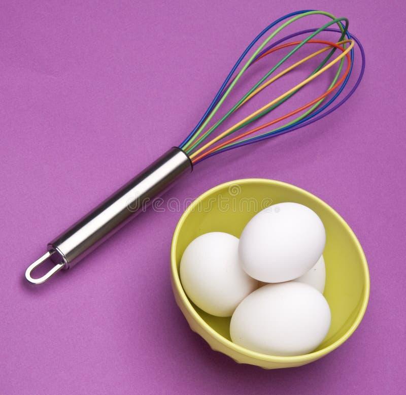 O arco-íris Whisk com ovos foto de stock royalty free