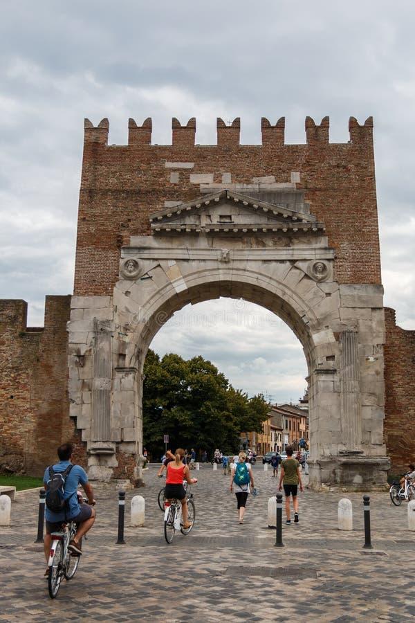 O arco de Augustus em Rimini, Itália fotos de stock royalty free