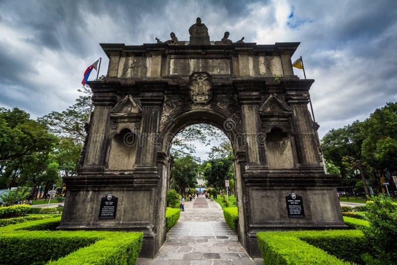 O arco dos séculos na universidade de Santo Tomas, em Sampa foto de stock