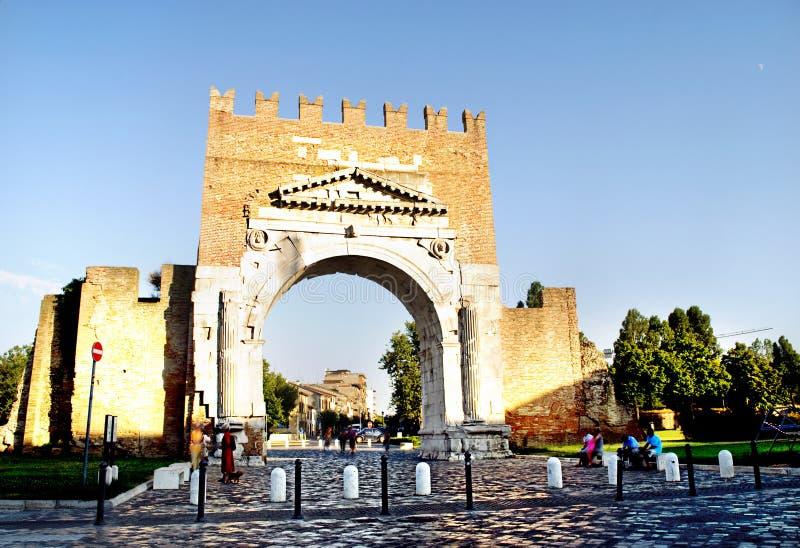 O arco famoso de Augustus em Rimini, Italy foto de stock royalty free