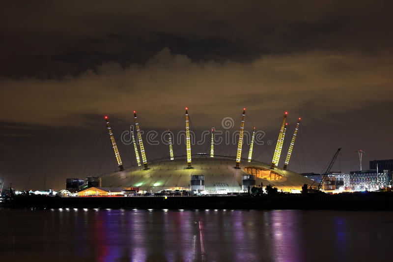 O2 Arena - de Koepel van het Millennium stock afbeeldingen
