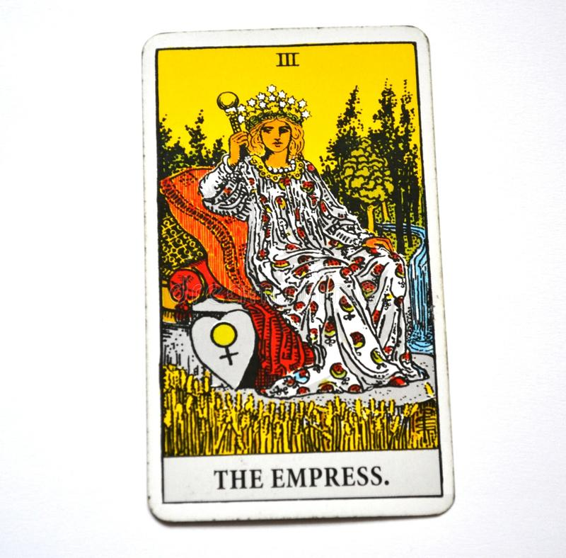 O arquétipo feminino serindo de mãe da mulher da Mãe Terra da mãe do cartão de tarô da imperatriz ilustração do vetor