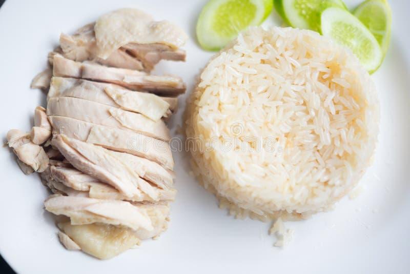 O arroz da galinha de Hainanese, gourmet tailandês cozinhou a galinha com arroz fotografia de stock