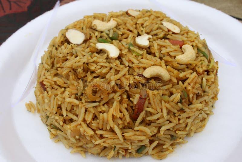 O arroz famoso do kashmiri baseou o prato: pulao do kashmiri foto de stock