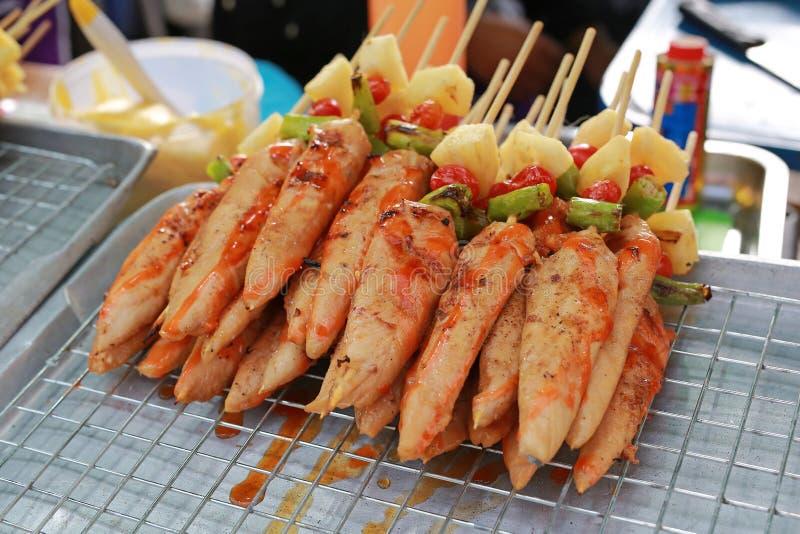 O assado saboroso dos peixes grelhou imagens de stock royalty free