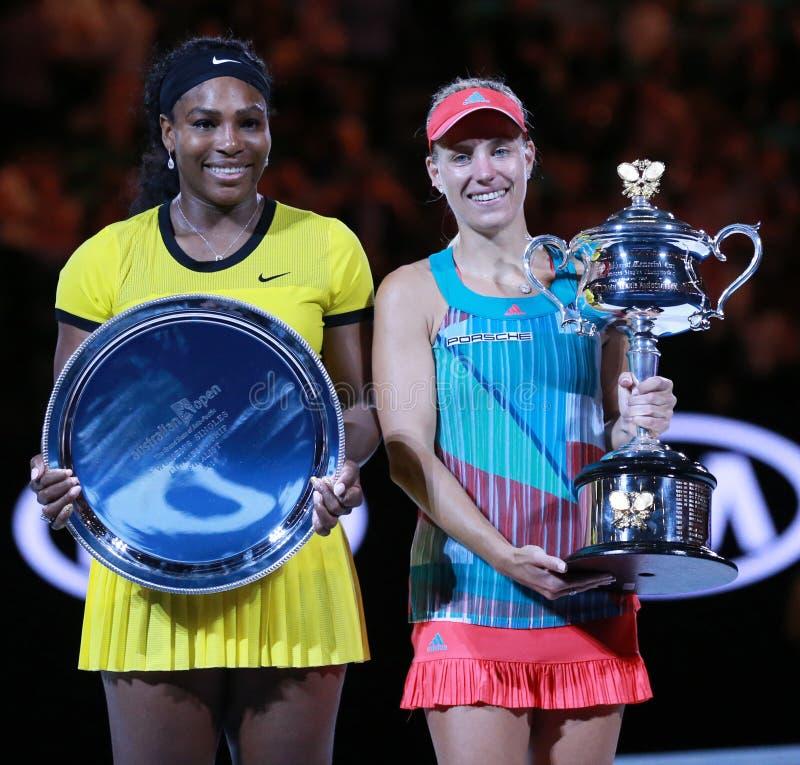 O australiano abre o finalista 2016 Serena Williams L e o campeão Angelique Kerber do grand slam de Alemanha durante a apresentaç foto de stock