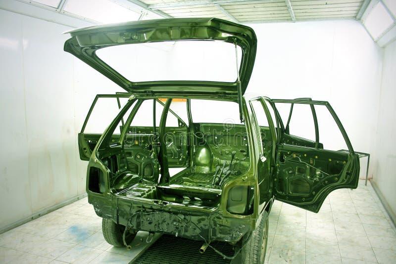 O automóvel projeta e repinta a oficina fotografia de stock royalty free