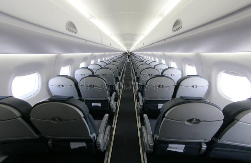 Download O Avião De Passageiros Assenta As Fileiras 027 Fotografia Editorial - Imagem de feriados, confortável: 65578947