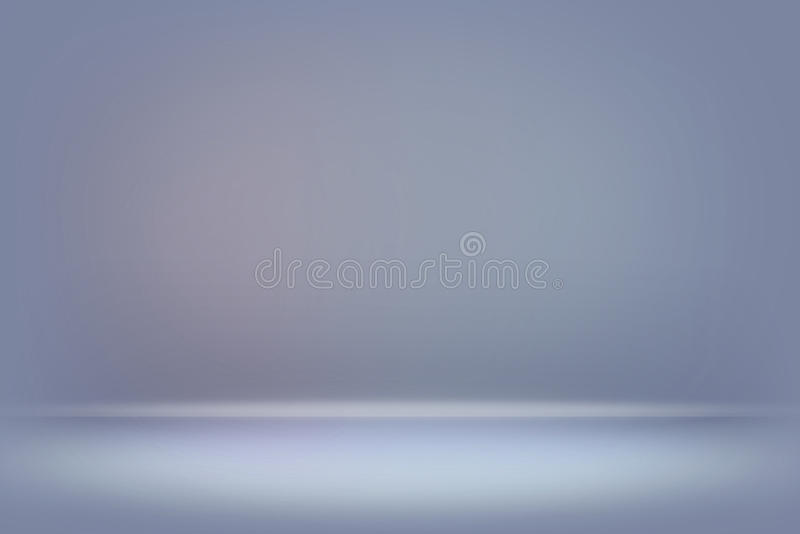 O azul abstrato borrou a parede lisa do inclinação da cor do fundo fotos de stock