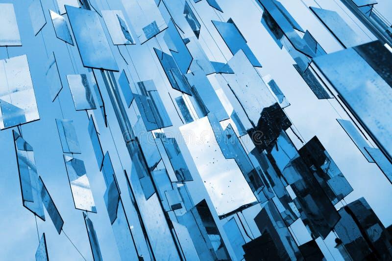 O azul abstrato espelha o fundo fotografia de stock royalty free