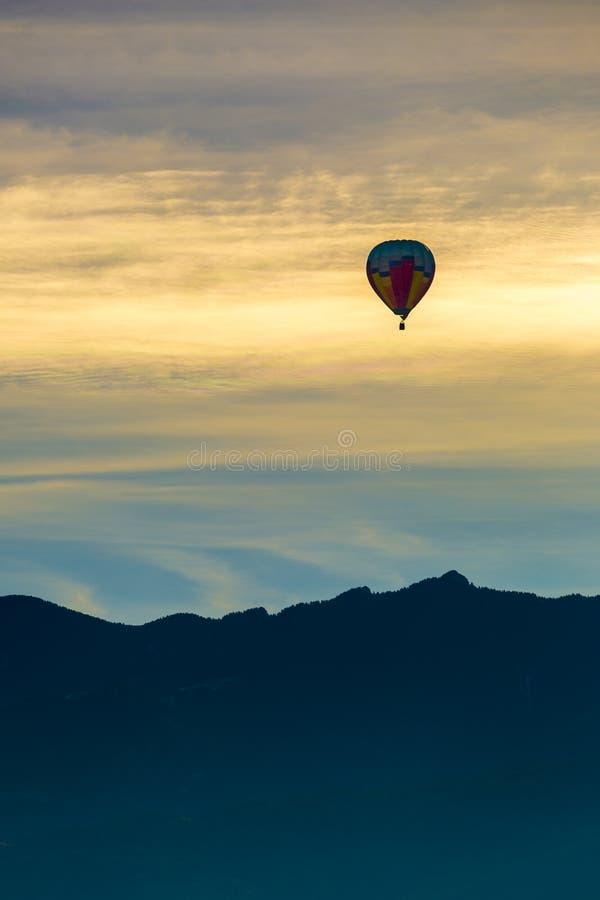 O balão de ar quente photgrphed no Bealton, mostra de ar do circo do vôo do VA imagens de stock