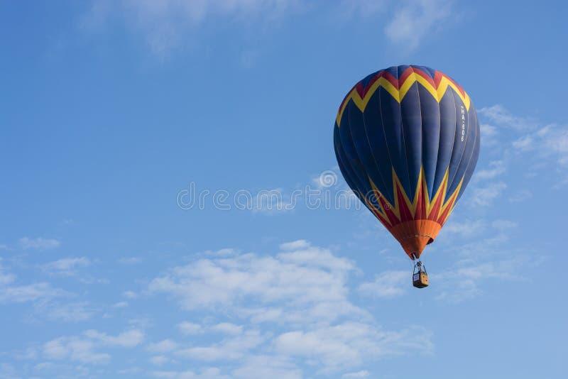 O balão de ar quente photgrphed no Bealton, mostra de ar do circo do vôo do VA imagens de stock royalty free