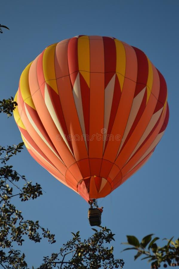 O balão de ar quente photgrphed no Bealton, mostra de ar do circo do vôo do VA imagem de stock