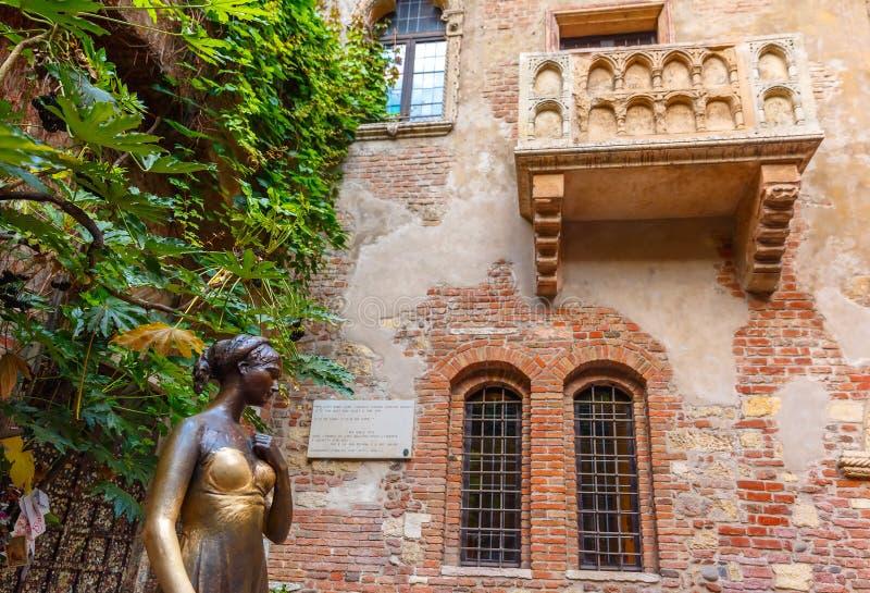 O balcão de Romeo e de Juliet em Verona, Italy fotografia de stock