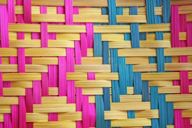O bambu de Corlorful tece fotografia de stock royalty free