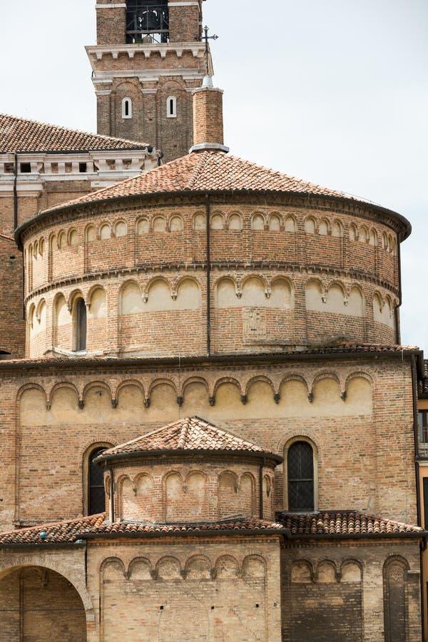 O Baptistery da catedral da suposição de Mary de Pádua fotografia de stock