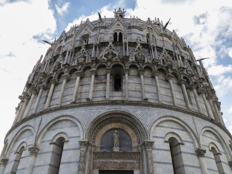 O Baptistery de Pisa de St John, Toscânia Itália imagem de stock royalty free