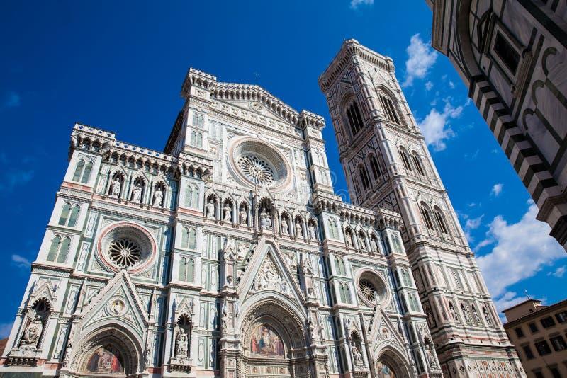 O Baptistery de St John, Campanile de Giotto e de Florence Cathedral consagrou em 1436 fotografia de stock royalty free