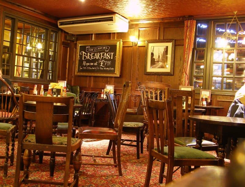 O bar da âncora em Londres imagens de stock