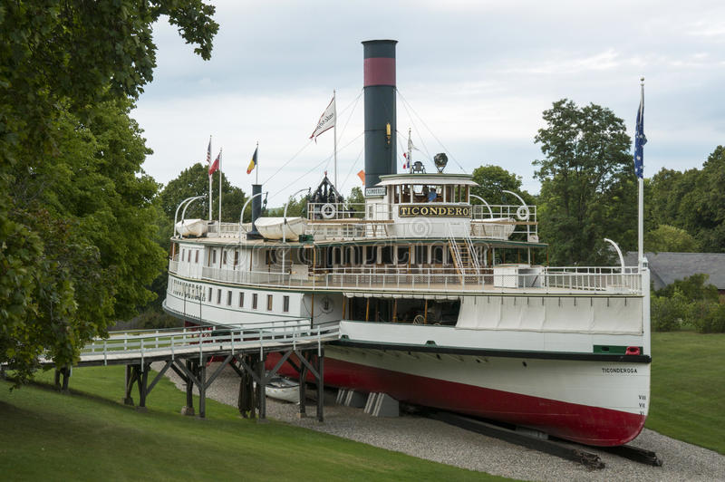O barco a vapor de Ticonderoga na exposição no museu de Shelburne imagem de stock