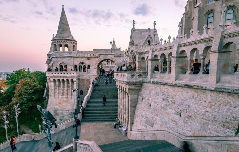 O bastião do ` s do pescador em Budapest imagem de stock