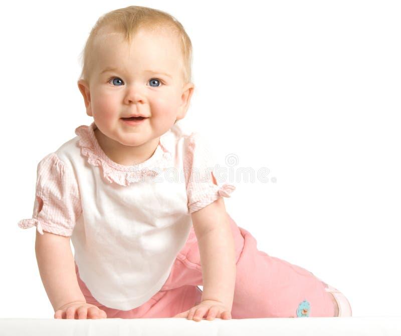 O bebê rasteja fotografia de stock royalty free