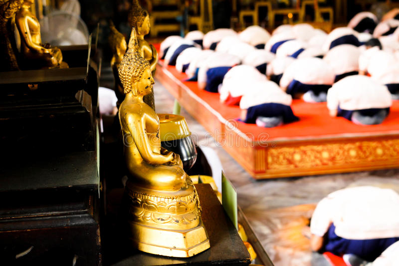 O Bhuddha abençoa o bom homem foto de stock royalty free