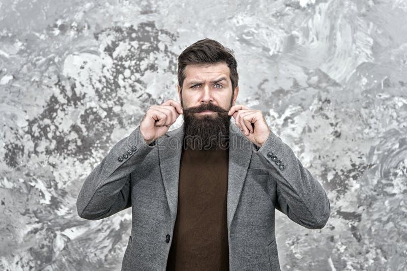 O bigode precisa de um estilo adequado Cabelo facial crescido Aspecto de Hipster Barba estilosa e bigode Moda barba e barbeiro imagem de stock