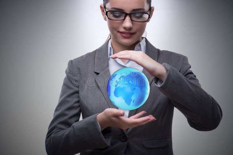 O bisinesswoman novo no conceito do negócio global imagens de stock