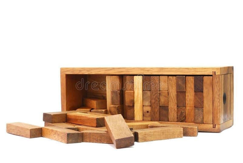 O bloco de madeira no fundo branco ilustração royalty free
