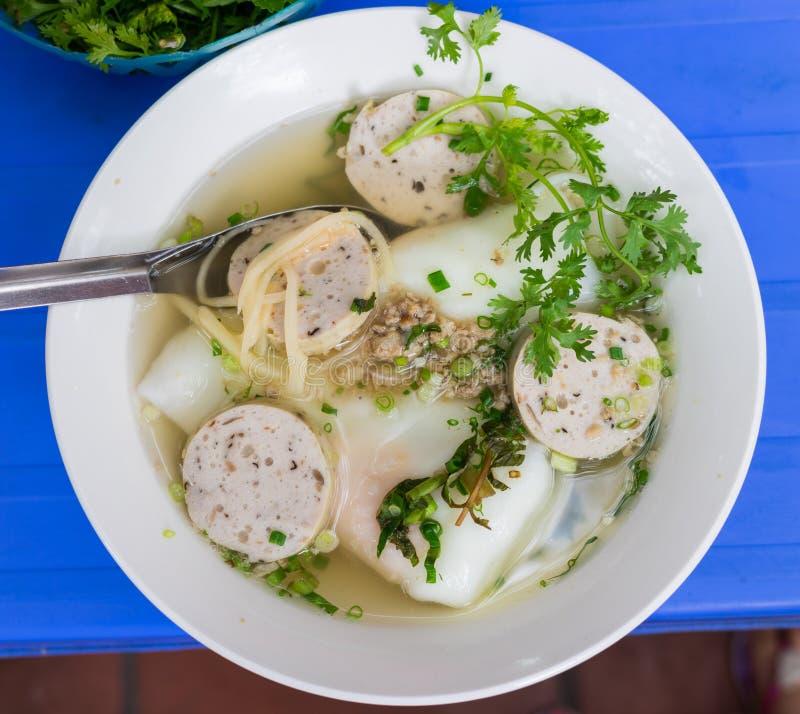O bolo da sopa do ovo, um macarronete vietnamiano grosso que possa ser feito da farinha das tapiocas ou uma mistura do arroz e da foto de stock