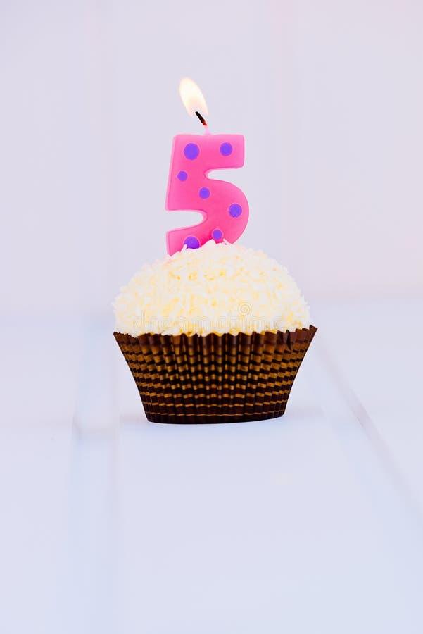 O bolo de aniversário para o primeiro aniversário fotos de stock