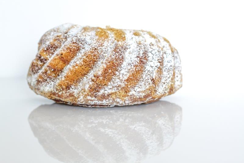 O bolo de Gugelhupf imagens de stock