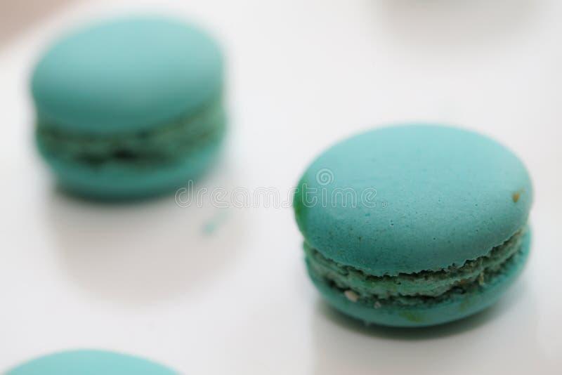 O bolo franc?s Macaron olha delicioso imagens de stock royalty free