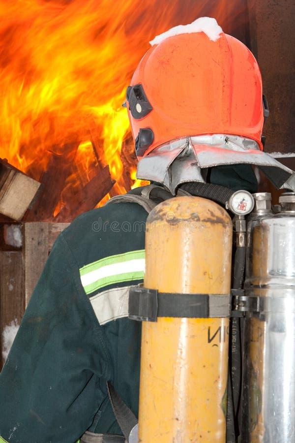 O bombeiro nos regimentals fotos de stock royalty free