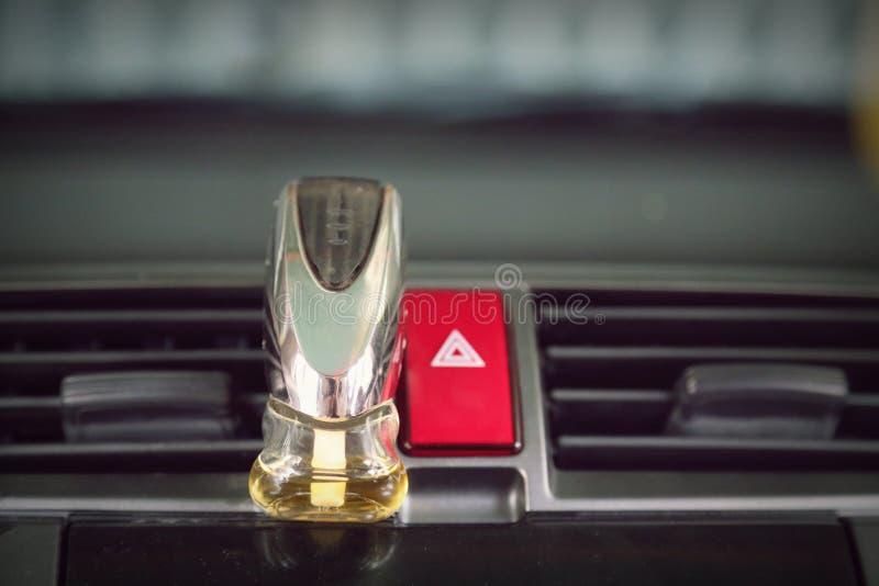 O botão da emergência no carro e no ar condicionou o perfume fotografia de stock royalty free