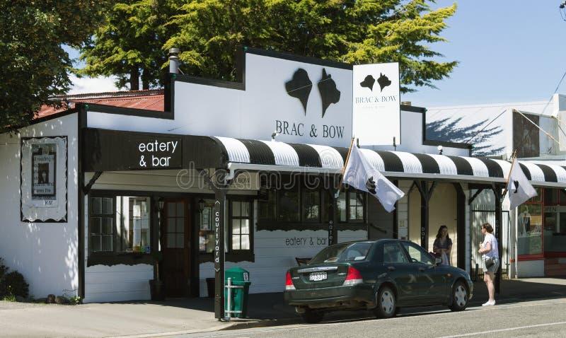 O Brac & o restaurante e a barra da curva situados na estrada principal com Featherston fotografia de stock royalty free