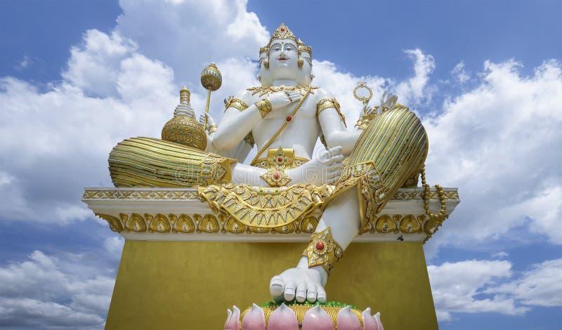 O Brahma o mais grande, deus hindu da criação, é ficado situado no templo de Samanrattanaram chacherngsao, Tailândia fotos de stock royalty free