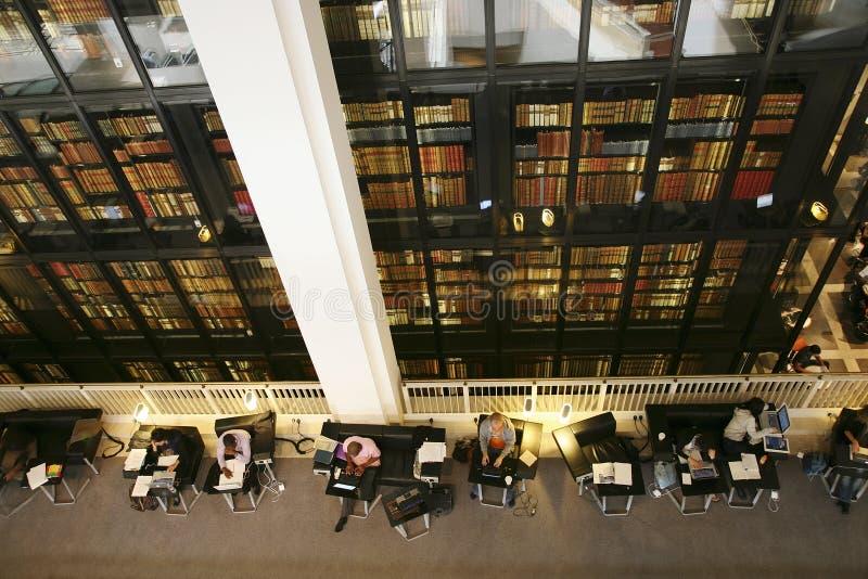 O British Library - interior imagens de stock