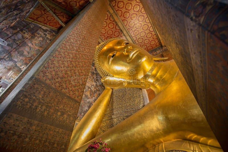O Buddha de reclinação fotos de stock royalty free