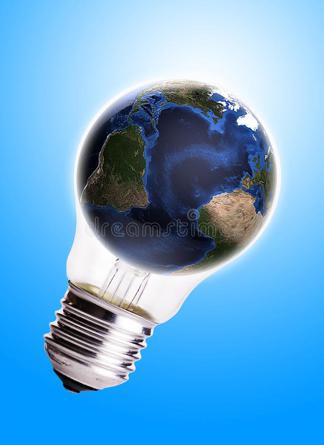 O bulbo com fundo azul do inclinação do globo, o mapa da terra e o globo dão forma à cortesia da NASA fotos de stock royalty free