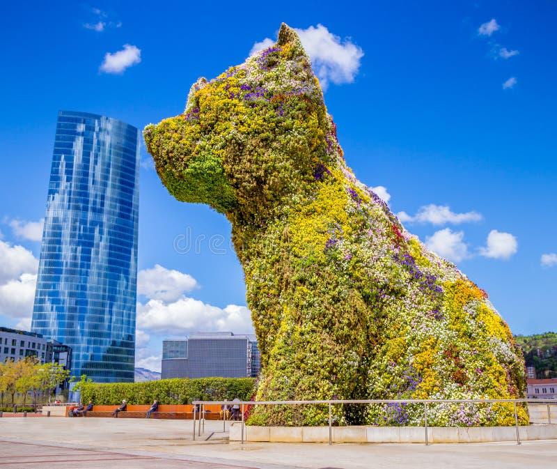 O cão gigante de Bilbabo fotos de stock